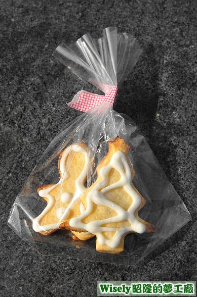 椅子做的聖誕樹和雪人餅乾