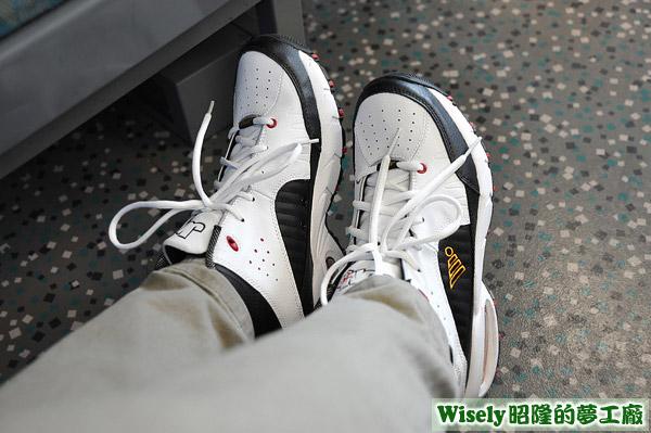 JUMP運動鞋