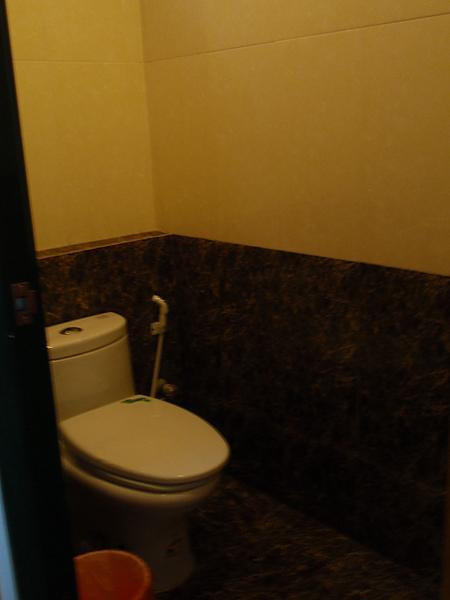 八村 Villa 館觀景四人房的乾濕分離洗手間