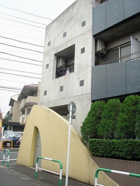 其實公寓算是兩層樓耶