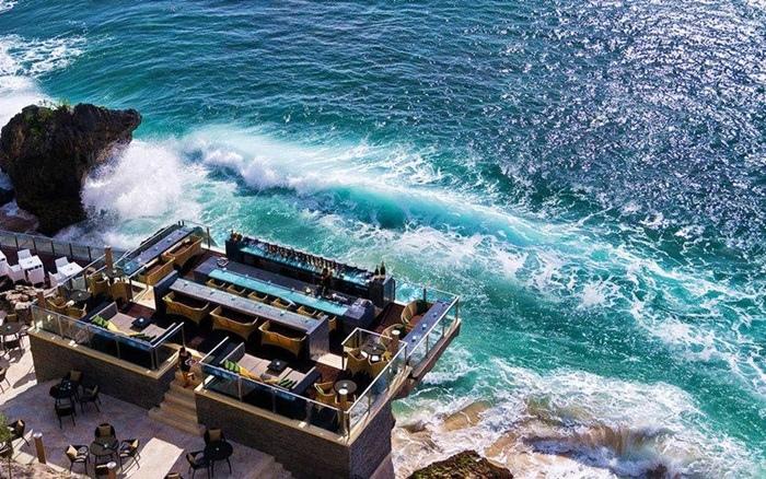 巴里島岩石酒吧