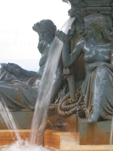 Roman fountain 1