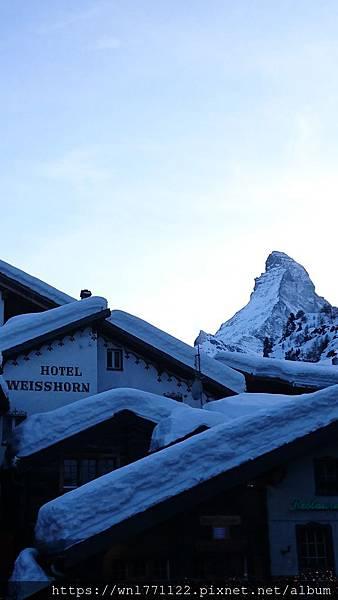Switzerland Aurora_180302_0225.jpg