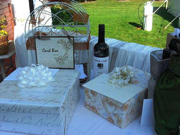 gift-table