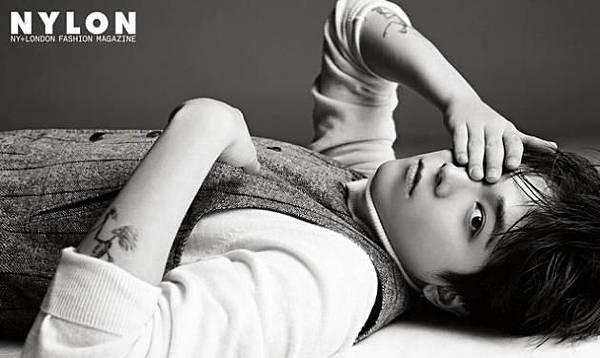 ,FT Island成員李洪基為時尚雜誌《NYLON》拍攝了一組全新寫真,以獨特氣質詮釋潮服