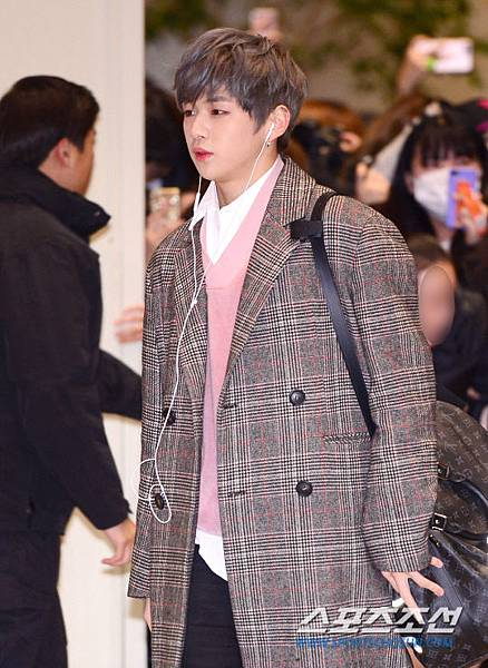 12月男團個人品牌評價出爐 姜丹尼爾再度蟬聯榜首
