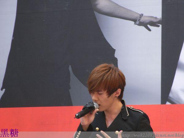 2010/07/04 禹哲  簽唱會       灰色河堤