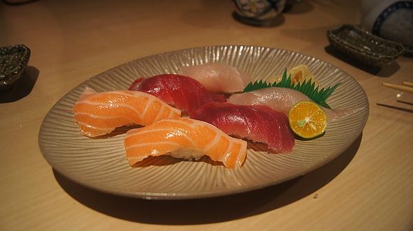 2011.01.14 聚餐(梅子鰻蒲燒屋)-34.JPG