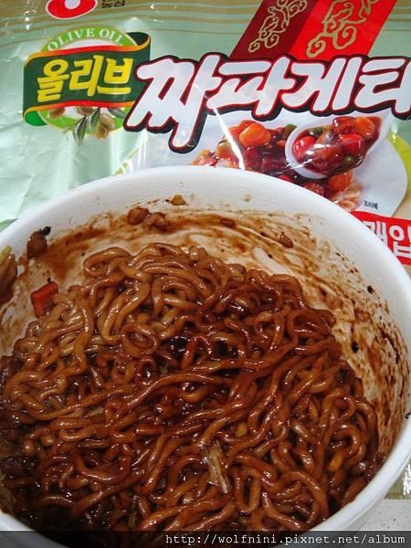 韓國炸醬泡麵完成圖
