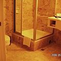 08-波恩客房-浴室