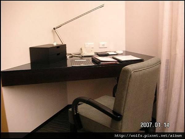 09-書桌