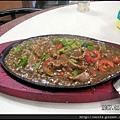 06-鐵板牛肉 $160