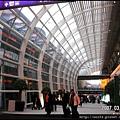 22-香港機場客運大樓走廊