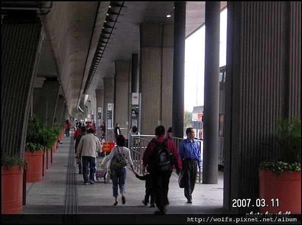 25-巴士站