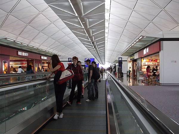 順利抵達香港機場轉機