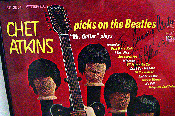 Chet Atkins PLAY BEATLES.jpg