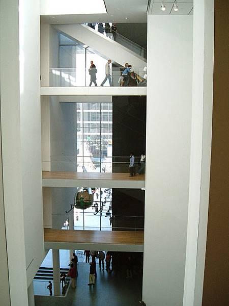 重新裝潢完的MoMA