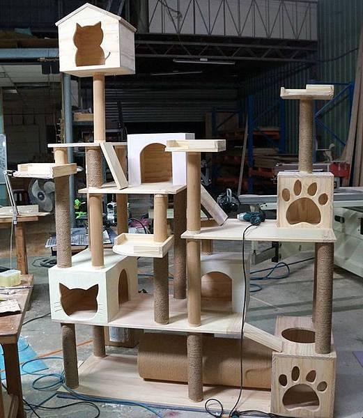DIY原木貓跳台