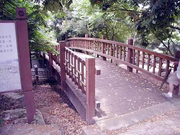 膠合樑11米木結構橋 (2)