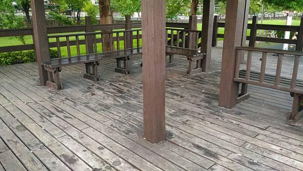 5樹林IPE案例---雙亭座椅 (1).jpg