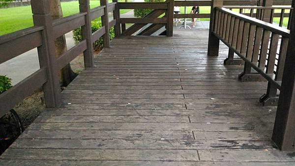 5樹林IPE案例---雙亭座椅 (2).jpg