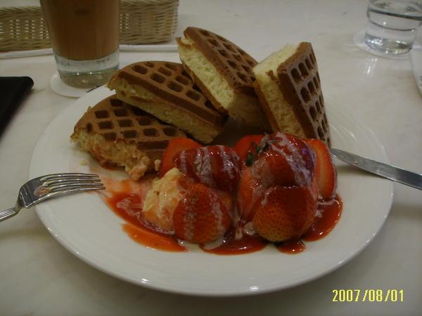米朗琪咖啡館 / 草莓鬆餅