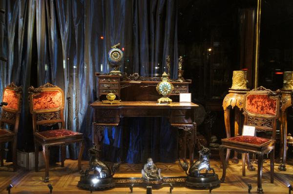 古董店 櫃台
