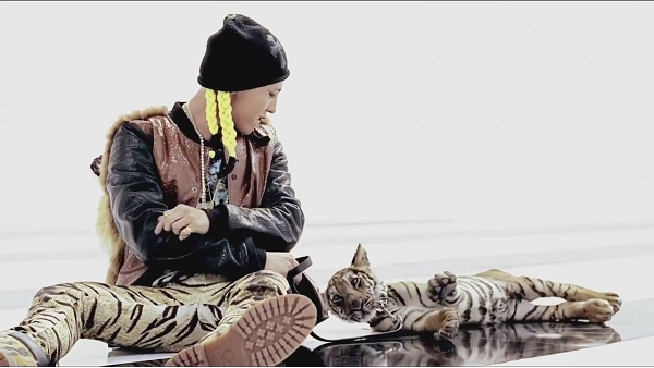 G-DRAGON - ONE OF A KIND M_V-1[11-16-56]