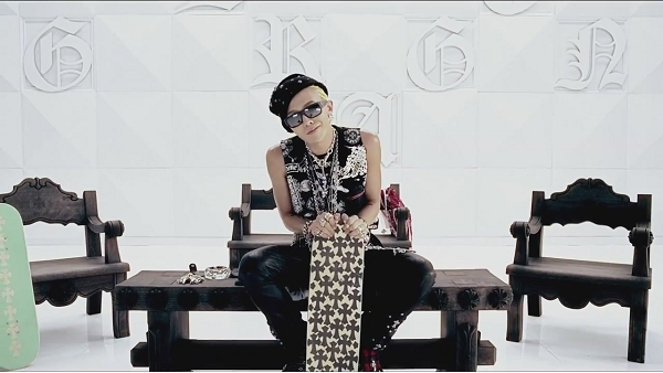 G-DRAGON - ONE OF A KIND M_V-1[11-41-21]