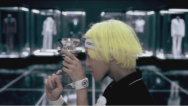 G-DRAGON - ONE OF A KIND M_V-1[12-27-54]