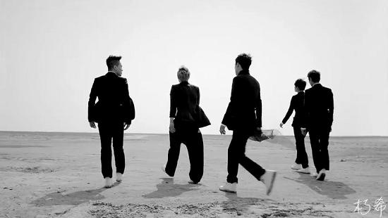 BIGBANG - LOVE SONG M_V (WORLD PREMIERE)[(005622)07-46-57].PNG