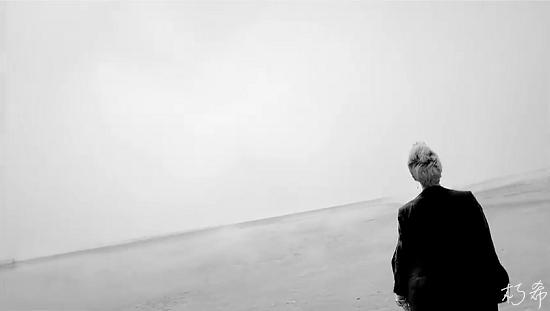 BIGBANG - LOVE SONG M_V (WORLD PREMIERE)[(002328)07-13-16].PNG