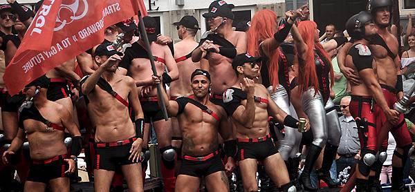 gay-pride-amsterdam-2.jpg