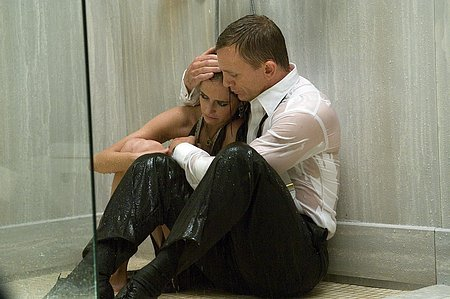 casino-royale-bond-vesper-shower_1163730149.jpg