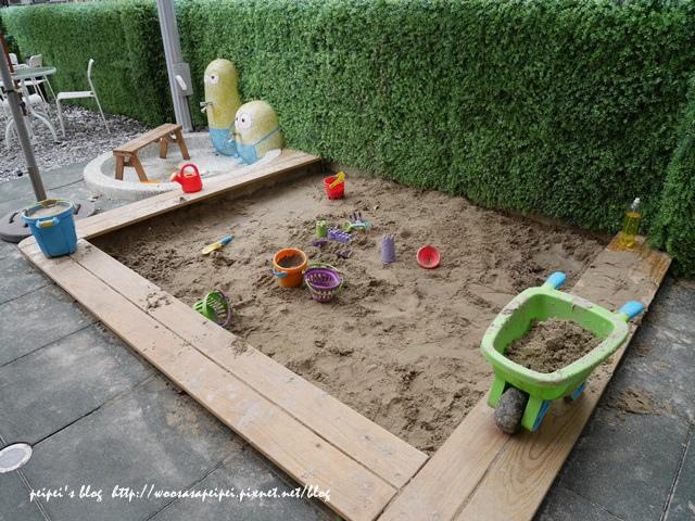 戶外兒童遊樂區