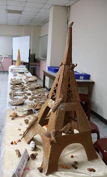 弘光烘焙畢業成果展 巴黎鐵塔麵包吸睛3