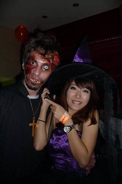 2010 Halloween-1
