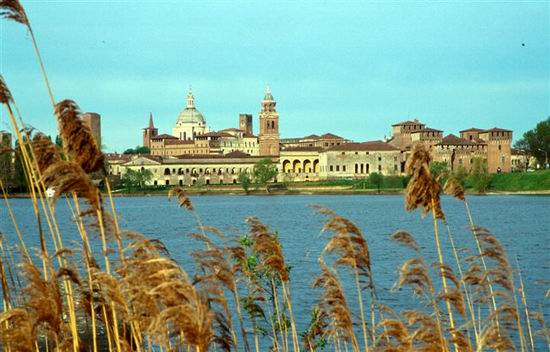 Mantua_Sabbioneta_Italy_06.jpg
