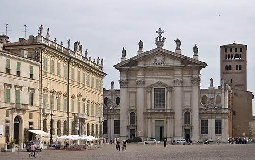 Mantua_Sabbioneta_Italy_07.jpg
