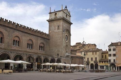 Mantua_Sabbioneta_Italy_08.jpg