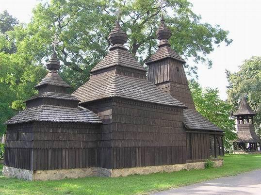 Wooden_Churches_Slovak_02.jpg