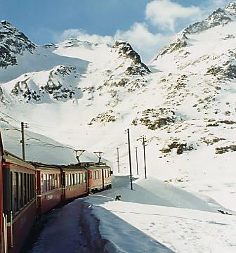 RhaetianRailway_SwissItaly_05.jpg