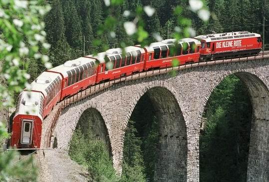 RhaetianRailway_SwissItaly_09.jpg