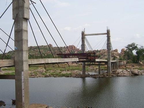 Hampi_India_Bridge01.jpg