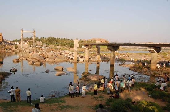 Hampi_India_BridgeCollapsed03.jpg