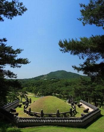 朝鮮王陵090501.jpg