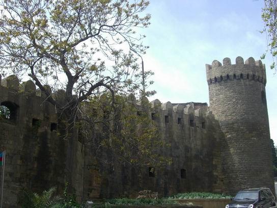Baku_Azerbaijan_04.jpg