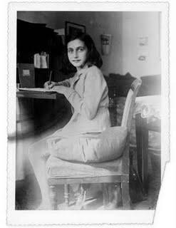 Diary_Anne-Frank-Netherlands_07.jpg