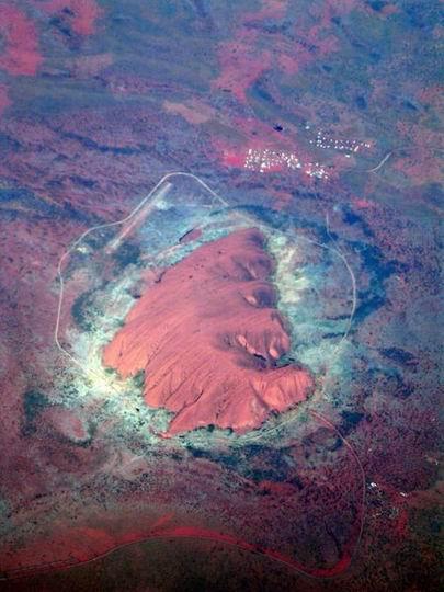 Uluru-kata-Tjuta_Australia_02.jpg