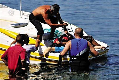 馬其頓世界遺產地遊船失事090906a.jpg
